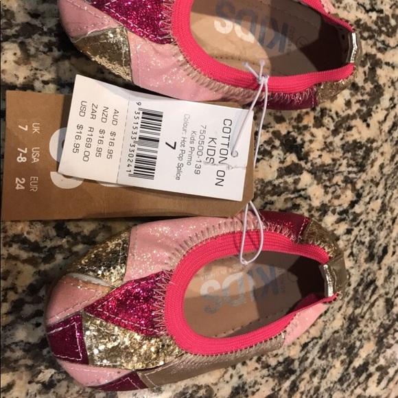 be72059eaf8f Cotton On kids 6 7 ballet flats pink glitter